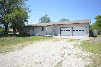 Junction City Single Family Home For Sale: 3411 Tulane Lane