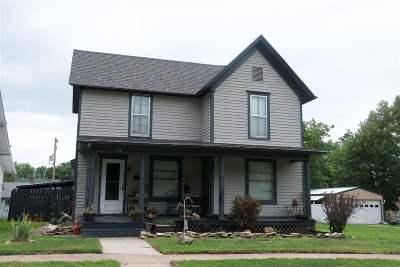 Abilene Single Family Home For Sale: 120 NE 8th Street
