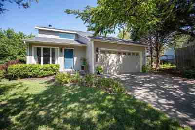 Manhattan Single Family Home For Sale: 3608 Monarch Circle