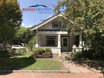 Manhattan Single Family Home For Sale: 630 Bluemont Avenue