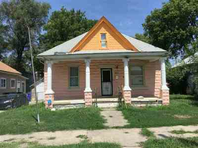 Single Family Home For Sale: 130 W 10th