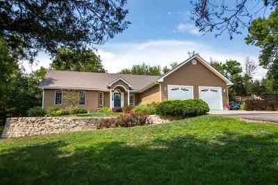 Wamego Single Family Home For Sale: 2408 6th Street Road