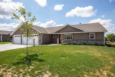 Wamego Single Family Home For Sale: 6342 Copperleaf Drive