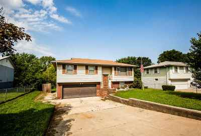 Junction City Single Family Home For Sale: 1414 Thompson Drive
