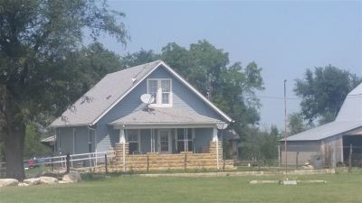 Herington Single Family Home For Sale: 2263 Highway 4