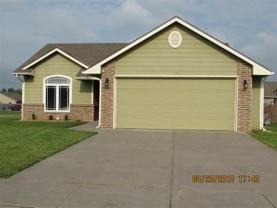 Junction City Single Family Home For Sale: 1001 Kadence Lane