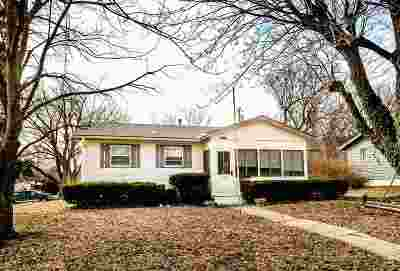 Single Family Home For Sale: 1302 Johnson Drive