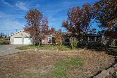 Wamego Single Family Home For Sale: 15145 Prairie View Circle