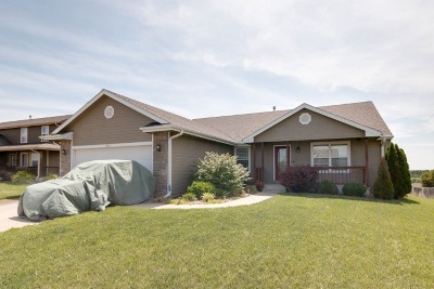 Single Family Home For Sale: 2514 Deer Trail