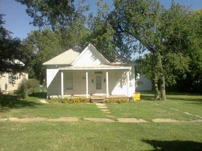 Single Family Home For Sale: 330-330 1/2 W 1st Street