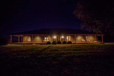 Wabaunsee County Single Family Home For Sale: 27002 Windy Hill Rd