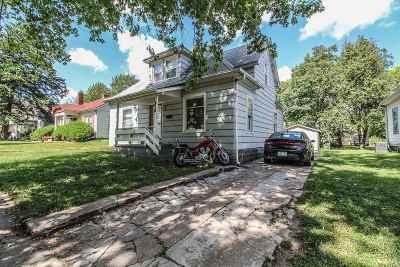 Manhattan Single Family Home For Sale: 812 Vattier Street