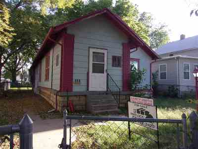 Single Family Home For Sale: 231 W 9th
