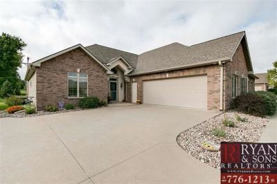 Single Family Home For Sale: 2720 Stone Valley Dr