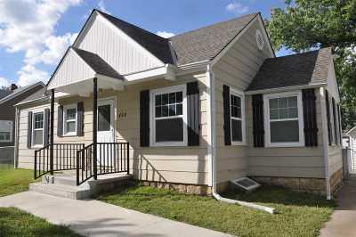 Single Family Home For Sale: 428 W Walnut Street