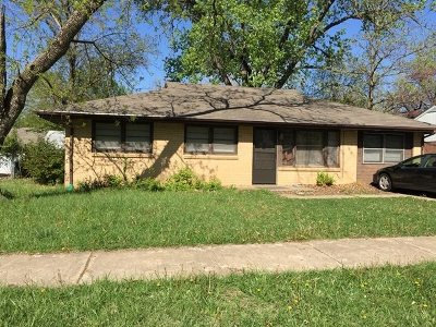 Manhattan Single Family Home For Sale: 1517 Hillcrest Drive