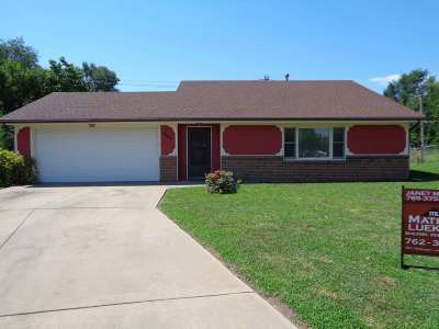 Single Family Home For Sale: 1367 Parkside Drive