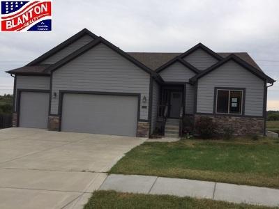 Junction City Single Family Home For Sale: 1623 Lariat Lane