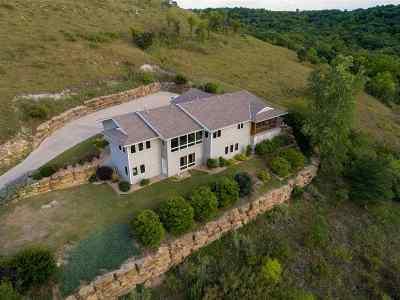 Manhattan Single Family Home For Sale: 1401 Rock Springs Lane