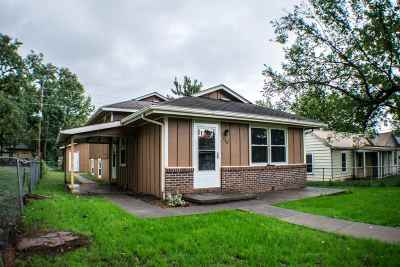 Junction City Single Family Home For Sale: 610 W 12th Street