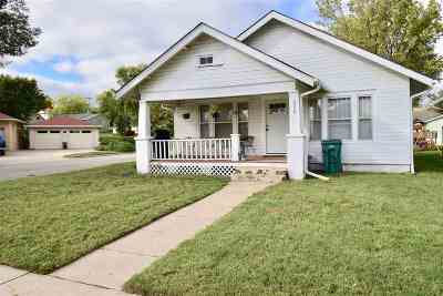 Chapman Single Family Home For Sale: 230 W 8th
