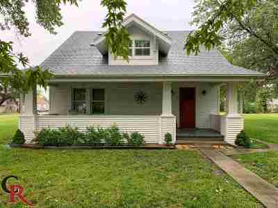 Single Family Home For Sale: 526 Main Street