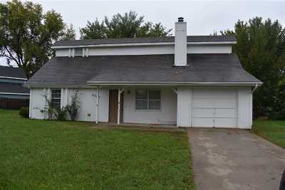 Manhattan Single Family Home For Sale: 3305 Valleydale Drive