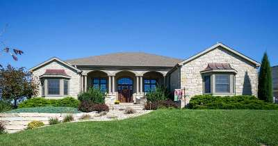 Manhattan KS Single Family Home For Sale: $659,500