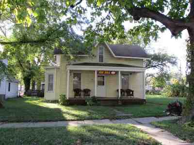 Wamego Single Family Home For Sale: 603 Ash Street