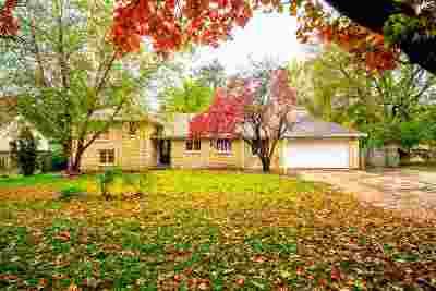 Single Family Home For Sale: 639 W Chestnut Street