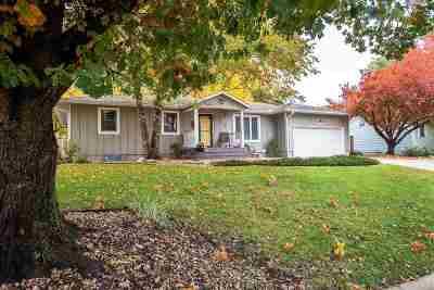 Manhattan Single Family Home For Sale: 2129 Tamarron Terrace