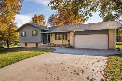 Manhattan Single Family Home For Sale: 3401 Sioux Circle