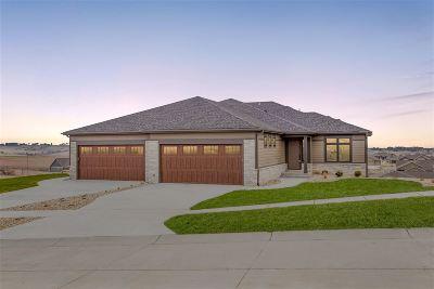 Riley County Single Family Home For Sale: 3426 Pinehurst Circle