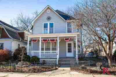 Single Family Home For Sale: 515 Ash Street