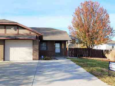 Manhattan KS Single Family Home For Sale: $164,500