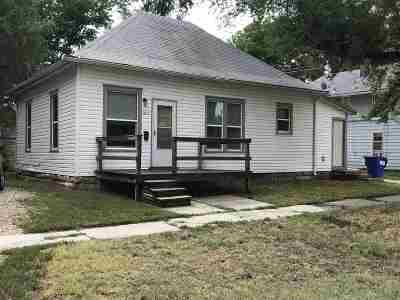 Junction City Single Family Home For Sale: 1017 N Jefferson Street
