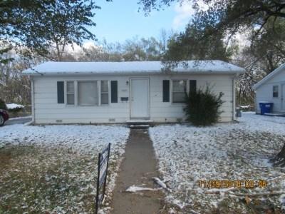 Single Family Home For Sale: 1609 N Eisenhower Street