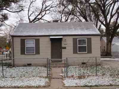 Single Family Home For Sale: 1602 Patton