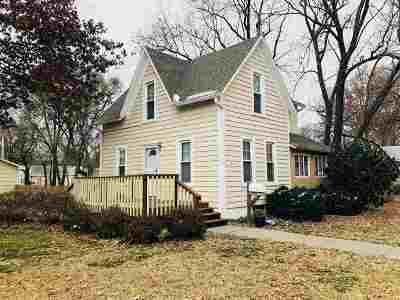 Clay Center Single Family Home For Sale: 616 Webster