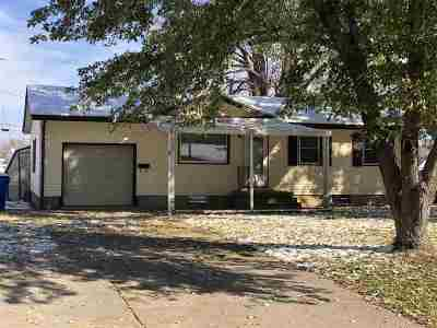 Single Family Home For Sale: 1310 Manley