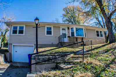 Single Family Home For Sale: 125 Bunker Hill Drive