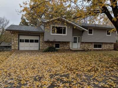Wamego Single Family Home For Sale: 1407 Julie Drive