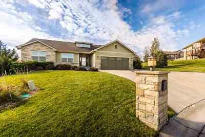 Manhattan Single Family Home For Sale: 4305 Lakonia Drive