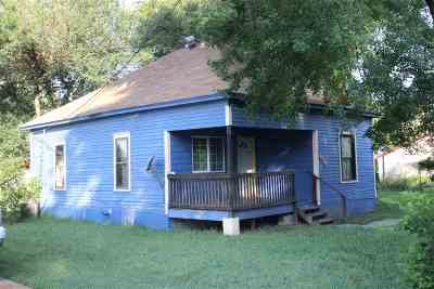 Riley County Single Family Home For Sale: 610 S Elm Street