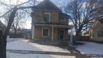 Herington Single Family Home For Sale: 405 S Broadway