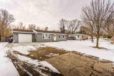 Manhattan Single Family Home For Sale: 705 Tuttle