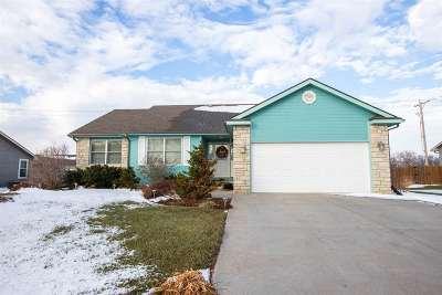 Manhattan Single Family Home For Sale: 4056 Bald Eagle