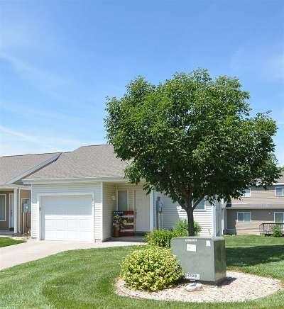 Manhattan Single Family Home For Sale: 1309 Newfoundland Drive
