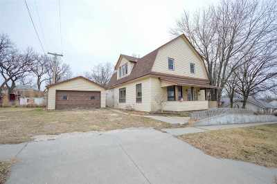 Herington Single Family Home For Sale: 211 E Trapp Street
