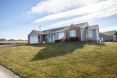 Manhattan Single Family Home For Sale: 9128 Tonya Terrace